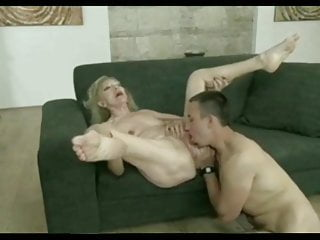 Footjob Granny Hd Videos vid: Granny feet for bunions lovers