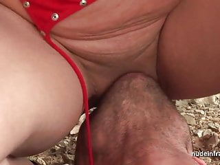 Amateur squirt redhead fucked in threesome...