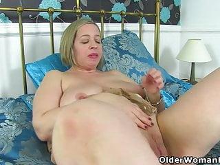 An older woman means fun part 426