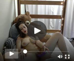 19 yrs old american cam.slut