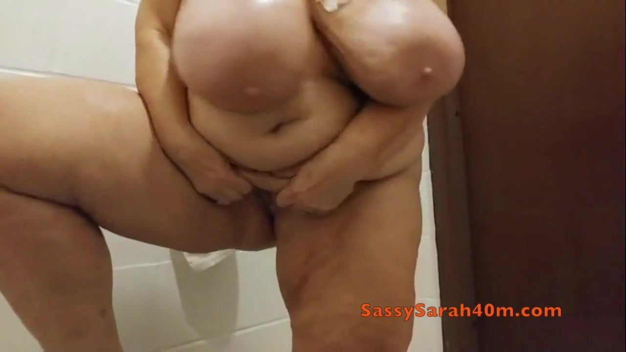 Floppy bouncy tits old young porn galleries