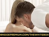 THE WHITE BOXXX - Hot brunette in stockings fucks hard