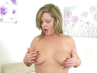 Silky thighs lou mature cunt...