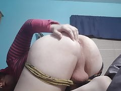 Slut rubs and shakes ass test video