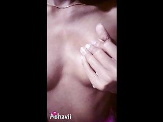 Sri Lankan schoolgirl – Titties Play
