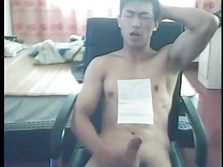 chinese commenting his jo with big jerks on webcam (1'03'')