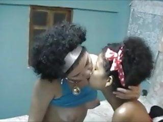 Dark skinned Energy Lesbo girls – Kiss and Licking