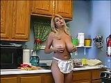 Meine schwedische Tante nach dem abwaschen...