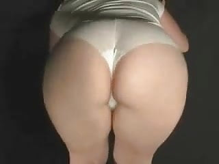 Irish Pawg M.J. In Some Whities