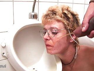 Slut gets deep throat...