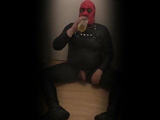 Pisse drink schwul gay sklave...