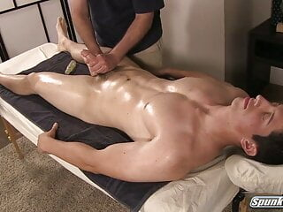 MASSAGE for a STR8 HUNK and a HAPPY ENDING