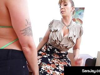 Big Boobs Strapon porno: Thick PAWGs Alexis Andrews & Sara Jay Eat Pussy Like Pros!