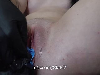LATEX PUSSY PREVIEW STUFFING GLOVE