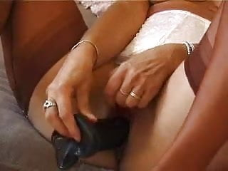 Mature slag toying