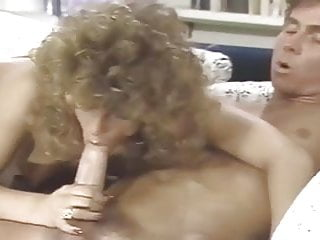 Hannah Does Her (1986)