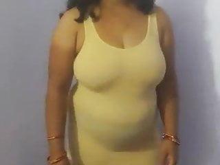Indian bhabhi hot figure boobs...