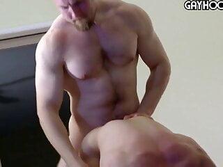 Collin Simpson fuck a hairy big boy