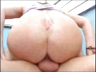 Anal sex loving her lover outdoors...