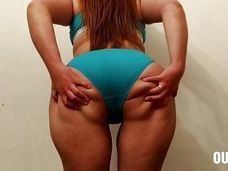 huge enjoys a big lot cocks Latina with ass