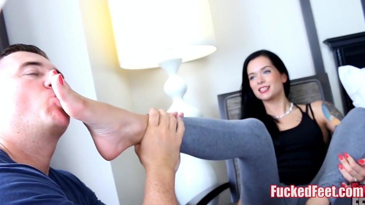 Blonde Feet Squirt Webcam
