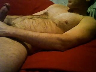 Hairy Daddy Cums On His Chest