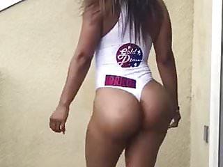 Fat latina ass shake...